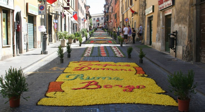 Rome, June nearby event: Corpus Domini Infiorata in Bracciano city center